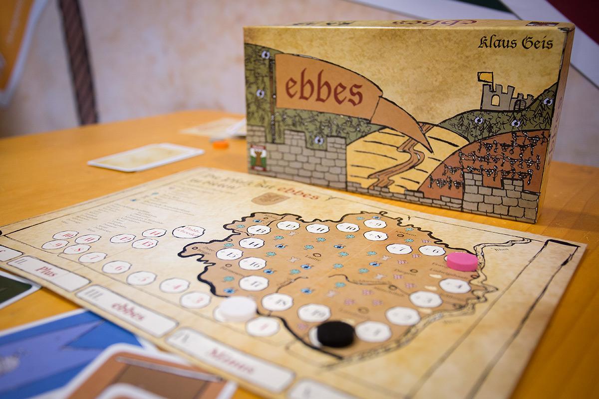 """Ebbes"""
